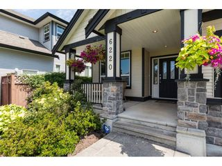 """Photo 2: 6220 167 Street in Surrey: Cloverdale BC House for sale in """"WEST CLOVERDALE"""" (Cloverdale)  : MLS®# R2093107"""