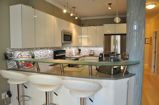 Photo 2: 306 2577 WILLOW STREET in : Fairview VW Condo for sale (Vancouver West)  : MLS®# V990400