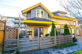 "Photo 1: 2480 W 8TH Avenue in Vancouver: Kitsilano Townhouse for sale in ""HERITAGE ON 8TH"" (Vancouver West)  : MLS®# R2142785"