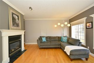 Photo 3: 4531 20 AV NW in Calgary: Montgomery House for sale : MLS®# C4108854
