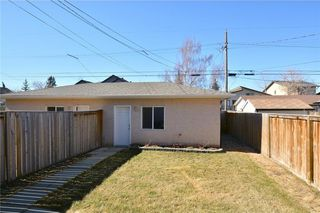 Photo 16: 4531 20 AV NW in Calgary: Montgomery House for sale : MLS®# C4108854