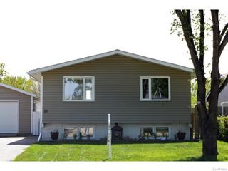 Photo 3: 51 DRYBURGH Crescent in Regina: Walsh Acres Single Family Dwelling for sale (Regina Area 01)  : MLS®# 610600