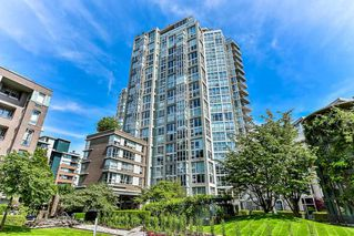 "Photo 1: 603 1228 MARINASIDE Crescent in Vancouver: Yaletown Condo for sale in ""Crestmark II"" (Vancouver West)  : MLS®# R2175339"
