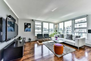 "Photo 3: 603 1228 MARINASIDE Crescent in Vancouver: Yaletown Condo for sale in ""Crestmark II"" (Vancouver West)  : MLS®# R2175339"