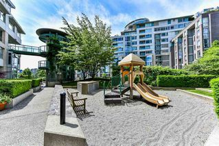 "Photo 17: 603 1228 MARINASIDE Crescent in Vancouver: Yaletown Condo for sale in ""Crestmark II"" (Vancouver West)  : MLS®# R2175339"