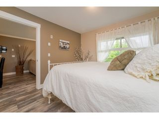 "Photo 10: 218 17769 57 Avenue in Surrey: Cloverdale BC Condo for sale in ""Clover Downs Estates"" (Cloverdale)  : MLS®# R2177981"