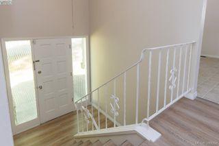 Photo 3: 3977 Saanich Road in VICTORIA: SE Swan Lake Strata Duplex Unit for sale (Saanich East)  : MLS®# 380058