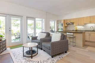 Photo 5: 22 3750 EDGEMONT BOULEVARD in North Vancouver: Edgemont Townhouse for sale : MLS®# R2185047