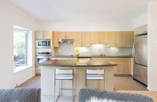 Photo 4: 22 3750 EDGEMONT BOULEVARD in North Vancouver: Edgemont Townhouse for sale : MLS®# R2185047