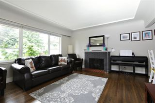 Photo 2: 1956 WESTVIEW Drive in North Vancouver: Hamilton House for sale : MLS®# R2191109
