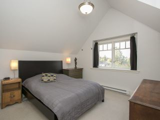 "Photo 11: 402 E 30TH Avenue in Vancouver: Fraser VE House for sale in ""Main Street"" (Vancouver East)  : MLS®# R2212798"