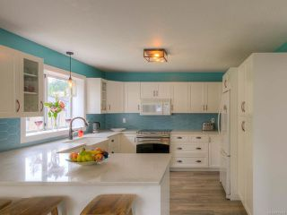 Photo 3: 184 W Fern Rd in QUALICUM BEACH: PQ Qualicum Beach House for sale (Parksville/Qualicum)  : MLS®# 773414