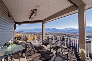 "Photo 3: 125 8590 SUNRISE Drive in Chilliwack: Chilliwack Mountain Townhouse for sale in ""MAPLE HILLS"" : MLS®# R2219906"