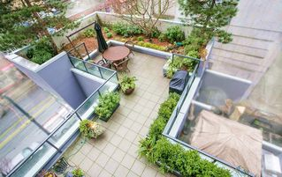 "Photo 1: 403 1199 SEYMOUR Street in Vancouver: Downtown VW Condo for sale in ""BRAVA"" (Vancouver West)  : MLS®# R2231945"