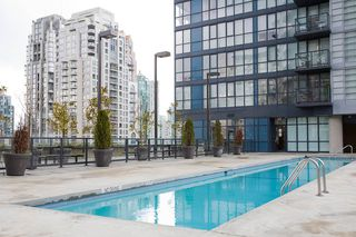 "Photo 15: 403 1199 SEYMOUR Street in Vancouver: Downtown VW Condo for sale in ""BRAVA"" (Vancouver West)  : MLS®# R2231945"