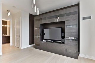 Photo 11: 9245 Jane St in Vaughan Bellaria Condo Marie Commisso