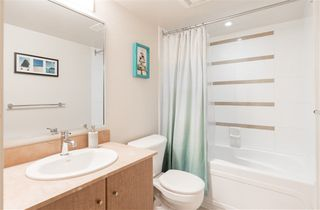 """Photo 12: 1901 909 MAINLAND Street in Vancouver: Yaletown Condo for sale in """"YALETOWN PARK II"""" (Vancouver West)  : MLS®# R2239205"""