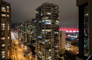 "Photo 16: 1901 909 MAINLAND Street in Vancouver: Yaletown Condo for sale in ""YALETOWN PARK II"" (Vancouver West)  : MLS®# R2239205"