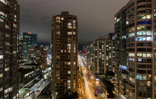 "Photo 15: 1901 909 MAINLAND Street in Vancouver: Yaletown Condo for sale in ""YALETOWN PARK II"" (Vancouver West)  : MLS®# R2239205"
