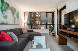 "Photo 1: 1901 909 MAINLAND Street in Vancouver: Yaletown Condo for sale in ""YALETOWN PARK II"" (Vancouver West)  : MLS®# R2239205"