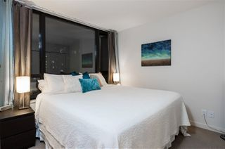 """Photo 11: 1901 909 MAINLAND Street in Vancouver: Yaletown Condo for sale in """"YALETOWN PARK II"""" (Vancouver West)  : MLS®# R2239205"""