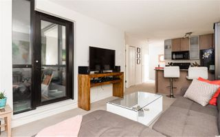 """Photo 6: 1901 909 MAINLAND Street in Vancouver: Yaletown Condo for sale in """"YALETOWN PARK II"""" (Vancouver West)  : MLS®# R2239205"""