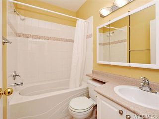Photo 5: 1 225 Vancouver Street in VICTORIA: Vi Fairfield West Residential for sale (Victoria)  : MLS®# 352077