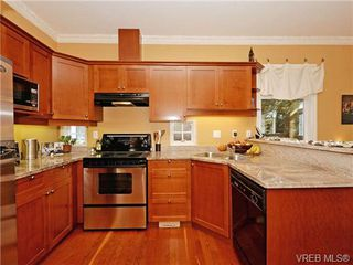 Photo 18: 1 225 Vancouver Street in VICTORIA: Vi Fairfield West Residential for sale (Victoria)  : MLS®# 352077