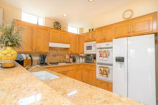 Photo 2: SOUTH ESCONDIDO House for sale : 5 bedrooms : 3659 Camino Marglesa in Escondido