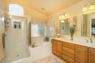 Photo 10: SOUTH ESCONDIDO House for sale : 5 bedrooms : 3659 Camino Marglesa in Escondido