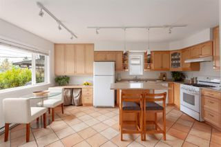 """Photo 6: 2062 KITCHENER Street in Vancouver: Grandview VE House for sale in """"COMMERCIAL DRIVE"""" (Vancouver East)  : MLS®# R2301971"""
