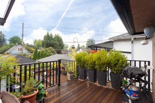 """Photo 17: 2062 KITCHENER Street in Vancouver: Grandview VE House for sale in """"COMMERCIAL DRIVE"""" (Vancouver East)  : MLS®# R2301971"""