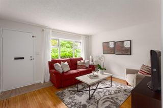 """Photo 3: 2062 KITCHENER Street in Vancouver: Grandview VE House for sale in """"COMMERCIAL DRIVE"""" (Vancouver East)  : MLS®# R2301971"""