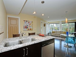 Photo 11: 201 1494 Fairfield Road in VICTORIA: Vi Fairfield West Condo Apartment for sale (Victoria)  : MLS®# 400437