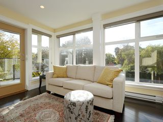Photo 5: 201 1494 Fairfield Road in VICTORIA: Vi Fairfield West Condo Apartment for sale (Victoria)  : MLS®# 400437
