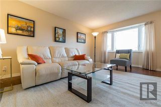 Photo 3: 88 Blackwater Bay in Winnipeg: River Park South Residential for sale (2F)  : MLS®# 1829586