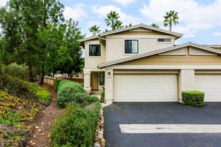 Photo 2: SAN CARLOS Townhome for sale : 3 bedrooms : 7564 Rainswept Lane in San Diego