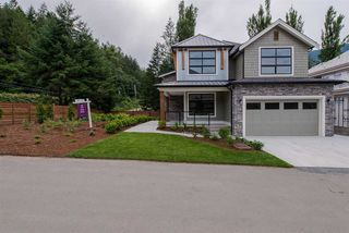"""Photo 2: 1 1885 COLUMBIA VALLEY Road: Lindell Beach House for sale in """"Aquadel Crossing"""" (Cultus Lake)  : MLS®# R2351712"""