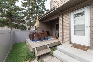 Photo 3: 1724 LAKEWOOD Road in Edmonton: Zone 29 Townhouse for sale : MLS®# E4151022