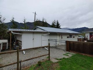 Photo 11: 58458 MCKAY Road in Laidlaw: Hope Laidlaw House for sale (Hope)  : MLS®# R2356946