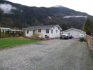 Photo 1: 58458 MCKAY Road in Laidlaw: Hope Laidlaw House for sale (Hope)  : MLS®# R2356946