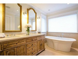 Photo 14: 1228 DUCHESS Avenue in West Vancouver: Ambleside House for sale : MLS®# R2359643