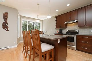 Photo 6: 393 Pelican Drive in VICTORIA: Co Royal Bay Single Family Detached for sale (Colwood)  : MLS®# 408560