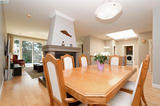 Photo 13: 393 Pelican Drive in VICTORIA: Co Royal Bay Single Family Detached for sale (Colwood)  : MLS®# 408560