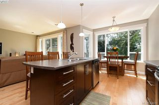 Photo 7: 393 Pelican Drive in VICTORIA: Co Royal Bay Single Family Detached for sale (Colwood)  : MLS®# 408560