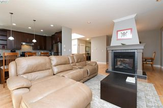 Photo 10: 393 Pelican Drive in VICTORIA: Co Royal Bay Single Family Detached for sale (Colwood)  : MLS®# 408560