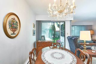 "Photo 5: 2 4800 TRIMARAN Drive in Richmond: Steveston South Townhouse for sale in ""BIRCHWOOD ESTATES"" : MLS®# R2380786"