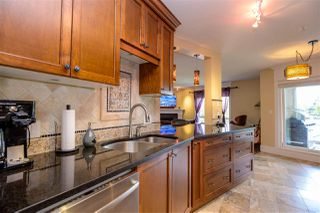 """Photo 4: 305 15150 29A Avenue in Surrey: King George Corridor Condo for sale in """"THE SANDS II"""" (South Surrey White Rock)  : MLS®# R2382604"""