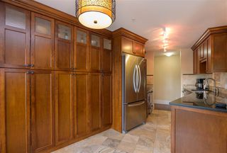 """Photo 6: 305 15150 29A Avenue in Surrey: King George Corridor Condo for sale in """"THE SANDS II"""" (South Surrey White Rock)  : MLS®# R2382604"""