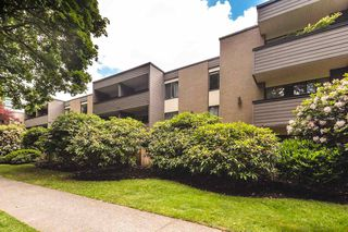 "Photo 2: 310 1710 W 13TH Avenue in Vancouver: Fairview VW Condo for sale in ""PINE RIDGE"" (Vancouver West)  : MLS®# R2384892"